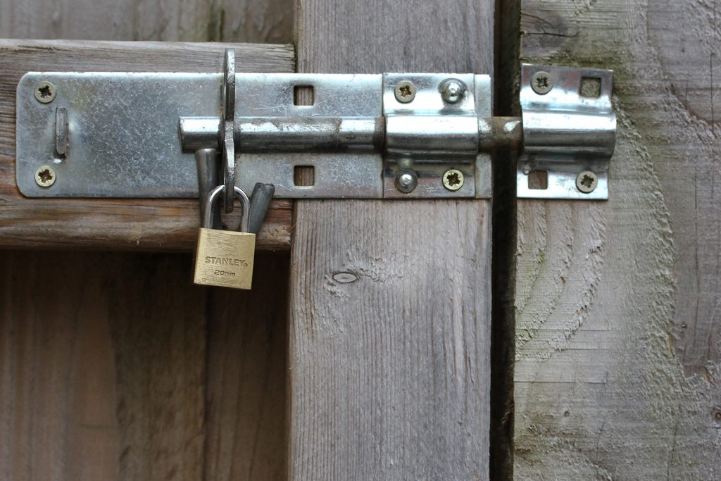 locked gate snib latch